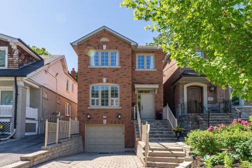 Having failed in other offers, buyers go $232,000 over asking for Toronto home