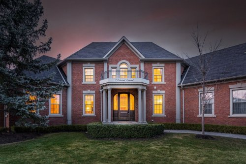 'Turnkey ready' house in Richmond Hill nets five offers