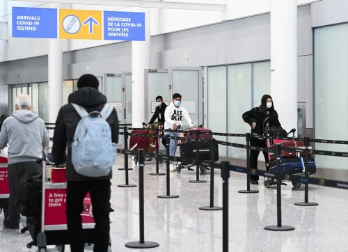 Ottawa mulls handing responsibility for verifying passengers' COVID-19 vaccination status to airport officers