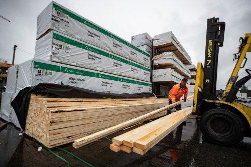 Lumber demand plummets as do-it-yourself boom ends