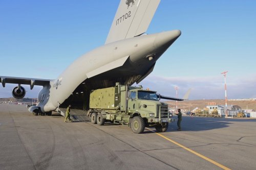Canadian military arrives in Iqaluit to set up reverse osmosis water purification