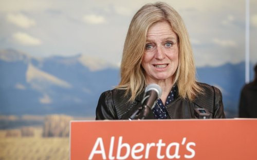 Alberta NDP leader Rachel Notley promises to make Alberta a green energy powerhouse
