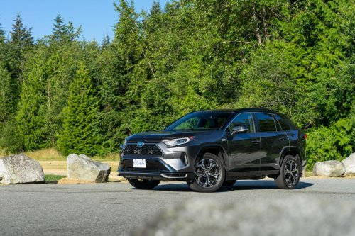 Review: The 2021 Toyota RAV4 Prime is a roomy, family-friendly crossover that is good at nearly everything