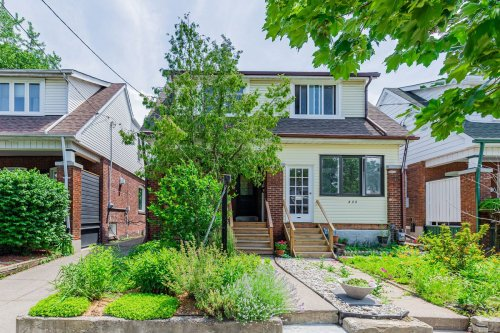 Buyer scoops up renovated Danforth home with $1.18-million bully bid