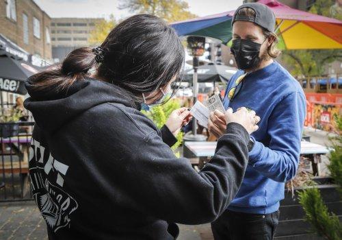 Restaurants react to Alberta's changing COVID-19 vaccine passport rules