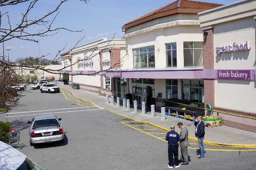 One person dead, two wounded in shooting at Long Island grocery store: police
