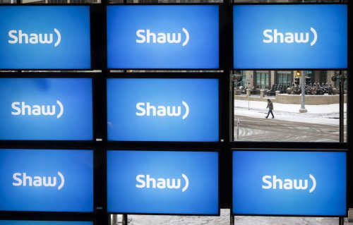 Shaw opts out of key spectrum auction amid Rogers takeover