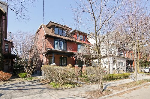 Priced low, semi-detached Toronto house draws heavy over-asking bid