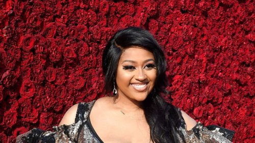 Jazmine Sullivan responds to being 'dragged' over her weight loss on social media - TheGrio