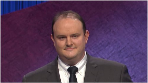 Twitter convinced 'Jeopardy' contestant made racist hand gesture
