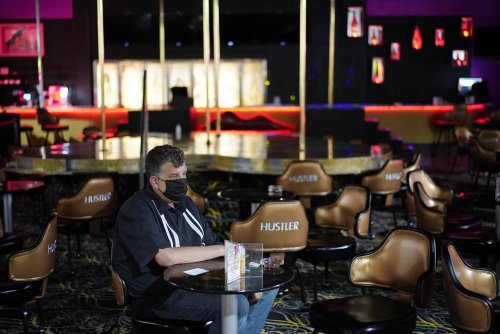 Las Vegas officials hold pop-up vaccine clinic at strip club—with perks
