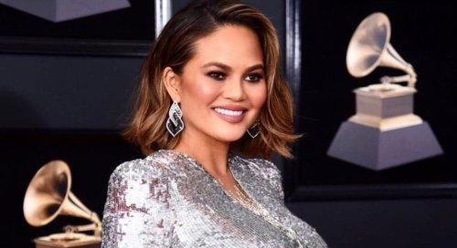 Chrissy Teigen blows off troll who publicly targeted her for wearing fur - TheGrio
