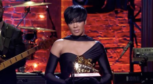 Monica gives touching speech after receiving Lady of Soul Award