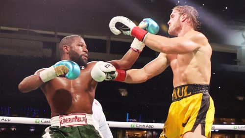 Black Twitter reacts to Floyd Mayweather, Logan Paul fight - TheGrio
