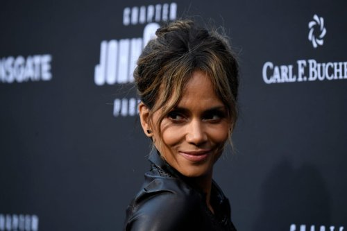 Halle Berry celebrate topless V-Day, she says good love worth the wait