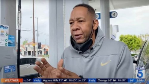 LA news reporter doesn't seem to recognize actor Mark Curry - TheGrio