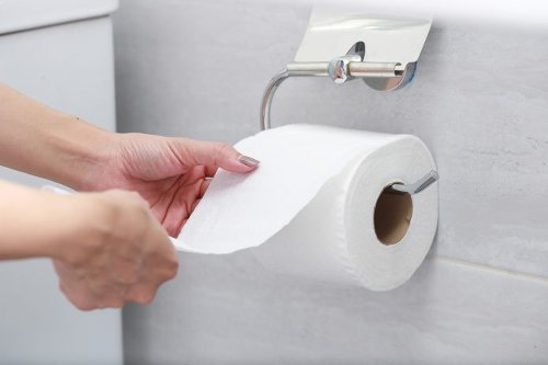 How to Wipe Your Butt the Right Way (Plus 4 Wiping Tips)