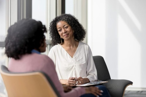 7 Tips from Black Therapists on Coping with Anxiety Due to Covid-19 and Racial Trauma