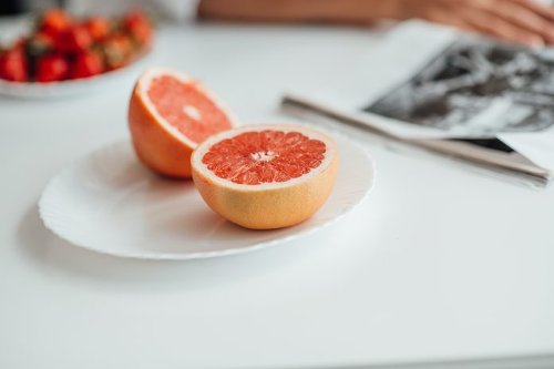 This is Why You Should Avoid Grapefruit While on Certain Statins