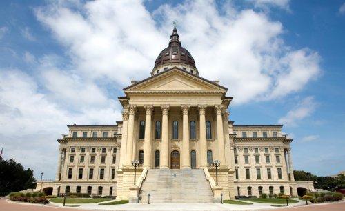 Kansas House advances medical marijuana bill