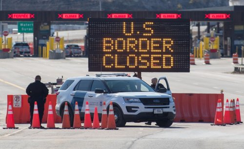US extends Mexico, Canada border closures