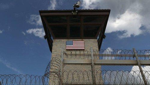Durbin calls on DOJ to stop defending Guantanamo detention