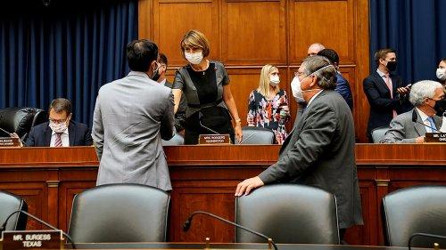 GOP, Democrats battle over masks in House, Senate