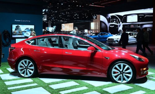 Texas lawmakers move to raise penalties on owners of Teslas and other electric vehicles