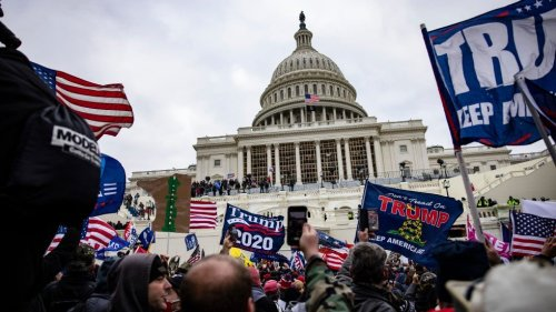 21 Republicans vote against awarding medals to police who defended Capitol on Jan. 6