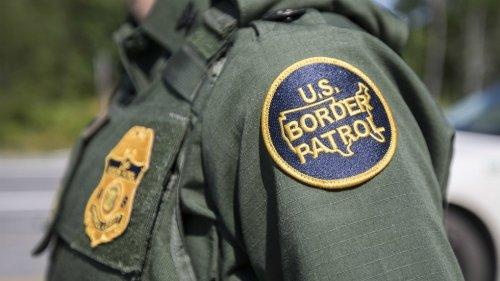More than 10,000 migrants await processing under bridge in Texas