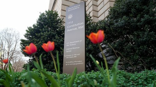 Republicans open new line of attack on IRS
