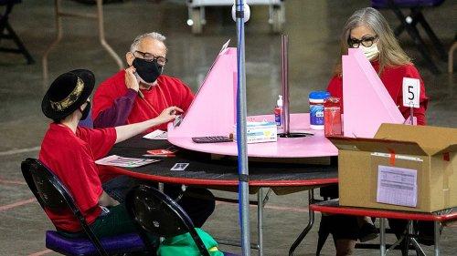 Arizona election audit draws Republican tourists