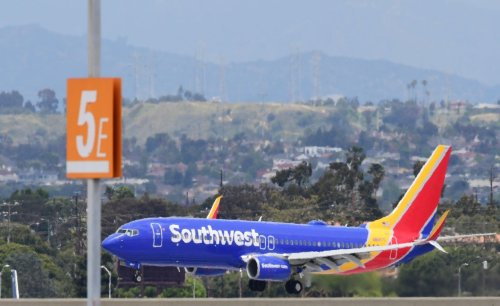 Southwest Airlines CEO to step down