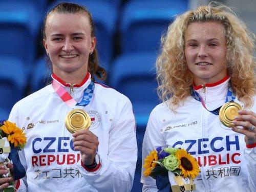 Tennis: Barbora Krejcikova, Katerina Siniakova of Czech Republic win women's doubles title in Tokyo