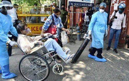 Delhi COVID-19 updates: Hospitals gasp as oxygen supplies run low