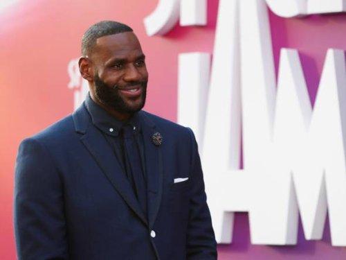 LeBron James surpasses $1B in career earnings