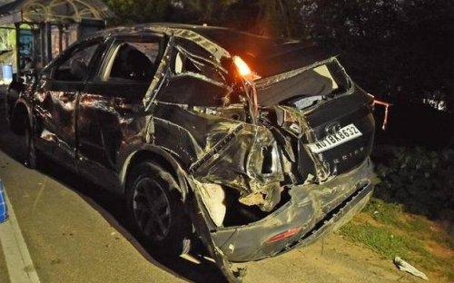 Actor Yashika Aannand injured, friend dies in car accident near Chennai