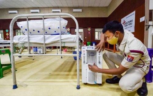 Police recover nine oxygen concentrators from Khan Market restaurant