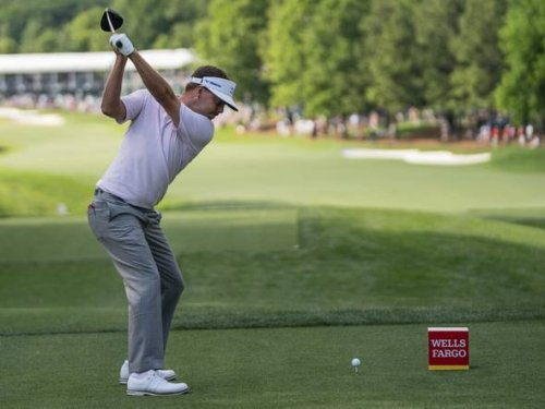 Mitchell goes bogey-free at Quail and leads McIlroy by 2