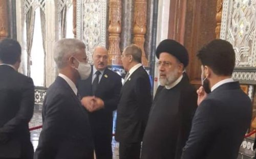 Jaishankar holds informal discussions with Russian counterpart, Iranian President at SCO summit