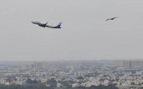 India extends ban on international flights till August 31
