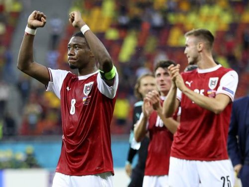 Alaba says he is not at Real to replace Ramos, despite shirt number