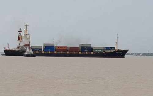 Container ship that ran aground re-floated at Syama Prasad Mookherjee port