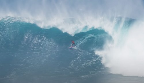 Kai Lenny Breaks Down How He Found Himself Inside 'the Tallest, Widest Barrel' He's Ever Been in at Jaws   The Inertia