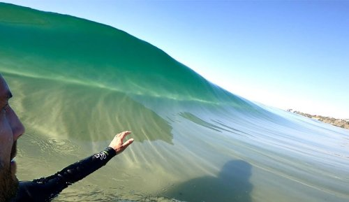 14 Minutes of Oddly Satisfying Glassy Barrels