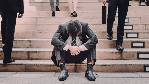 5 surefire signs you're too burnt out at your job