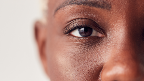 The simple eye contact trick you should use in every conversation