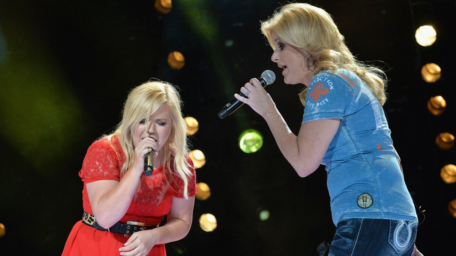 Details About Trisha Yearwood And Kelly Clarkson's Friendship