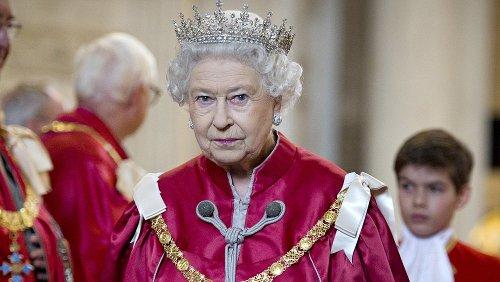 Ridiculous Jobs Queen Elizabeth Has Her Staff Do