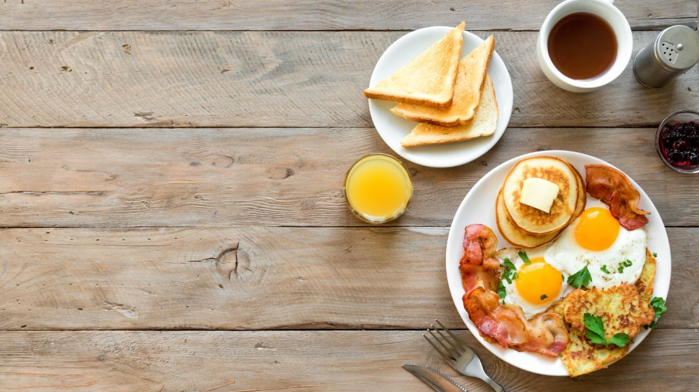 Why eating breakfast for dinner can actually be beneficial
